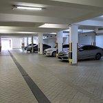 Parcial do estacionamento coberto
