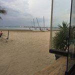 Photo de Ona Roses Beach Bar