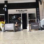 Charlie's Cafe & Bakery Foto