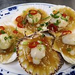 Fresh scallop with Garlic sauce and chilli