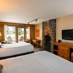 Lodge Village Double Queen Guestroom