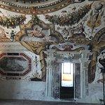 pianterreno con affreschi meravigliosi