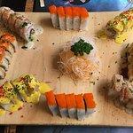 Rollos: California especial, acevichado, spicy crab maki, Lima roll