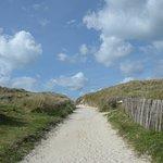 il sentiero verso la spiaggia