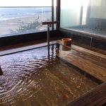 日本海が一望できる大浴場