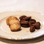 sablèe e mandorle al cioccolato