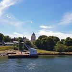 Suomenlinna - вдали церковь-маяк