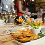 Foto de Yum - Thai Kitchen & Bar