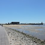 Willy Brandt Platz and Weser Dyke, Bremerhaven, Alemania.