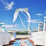 Свежий воздух и завораживающая панорама Невы с видом на Вантовый мост!