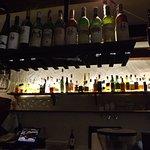 Kusza butelki z lokalnymi winami