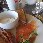 breakfast with smoked salmon