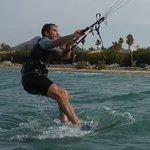 meilleurs spots de kite à Majorque pour apprendre le kitesurf avec l'école de kitesurf de Majorq