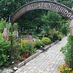 Lake Lure Flowering Bridge照片
