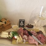 Excellent meat and cheese platter together with the Vernaccia San Gimignano. Gianfranco's Da I'