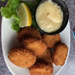 Crab nuggets with garlic sauce