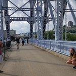 Foto de Newport Southbank Bridge a.k.a. Purple People Bridge