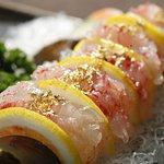 랍스터 회(찜) / slices of raw/steamed lobster / ロブスターの刺身/蒸し / 生/蒸龙虾 / Korea Traditional Food