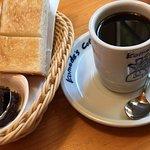 ブレンドコーヒー と C:名古屋名物おぐらあん