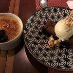 crème brulee com azeitonas doces e brownie com sorvete e pipoca crocante