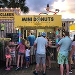 Meaney's Mini Donuts Foto