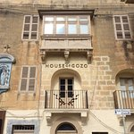House of Gozo & Virgin Mary niche