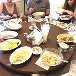 Foto van Walnut Hills Restaurant