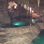 Пещеры интересные тем кто любит , мне показалось немного скучным , сувениры интересные . Саке