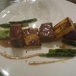 agnello con asparagi