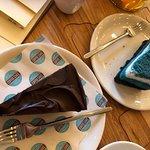 черничный и шоколадный тортики