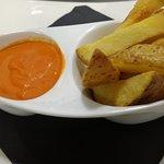 Patatas Trez Cocciones con Salsa Brava