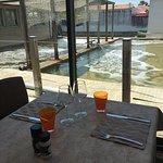 Nouveau look pour le restaurant et la terrasse côté Viviers... côté mer, ... presque fini, .....