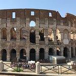 Colosseum set fra hop on-hop off-bussen I love Rome.