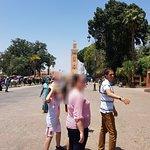 Guia de Marrakech. Un genio. Poliglota. Escuchar sus historias con profundo conocimiento te hara