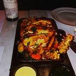 Mariscos y verduras varias, asadas, Excelente plato para compartir