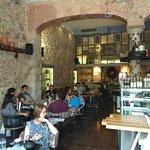 ภาพถ่ายของ Off White Cafe Bar