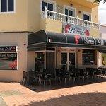 restaurante bormeo pizzería grill en el Cruce de Arinaga, avenida Ansite