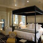 Blackberry Farm - Hill Cottages - Lancaster - Bedroom & Livingroom