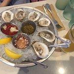 Foto de Blue Plate Oysterette