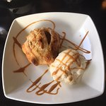 Apple Pie with ice-cream