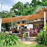 Etty Bay cafe-kiosk