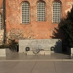 Photo of Monument to the Unknown Warrior