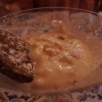 パスティーラというアマルフィの伝統的なデザート リコッタチーズにフルーツのピールなどが入っています
