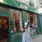 Foto van Flesh Restaurant Canal Saint Martin