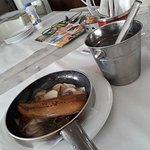 Σκουμπρί στο τηγάνι με κρεμυδι