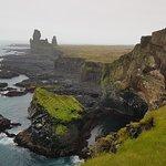 Bilde fra Londrangar Basalt Cliffs