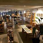 Te Ara gallery store