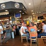 Foto Crossroads Pub & Grill