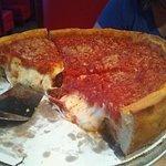 Giordano's Famous Stuffed Pizzaの写真