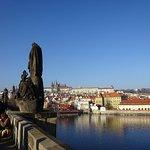 vista del castello di Praga dal ponte Carlo